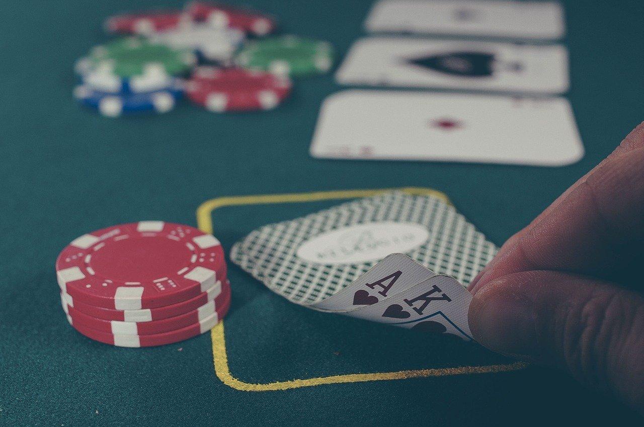 Cómo jugar a poker. Flop