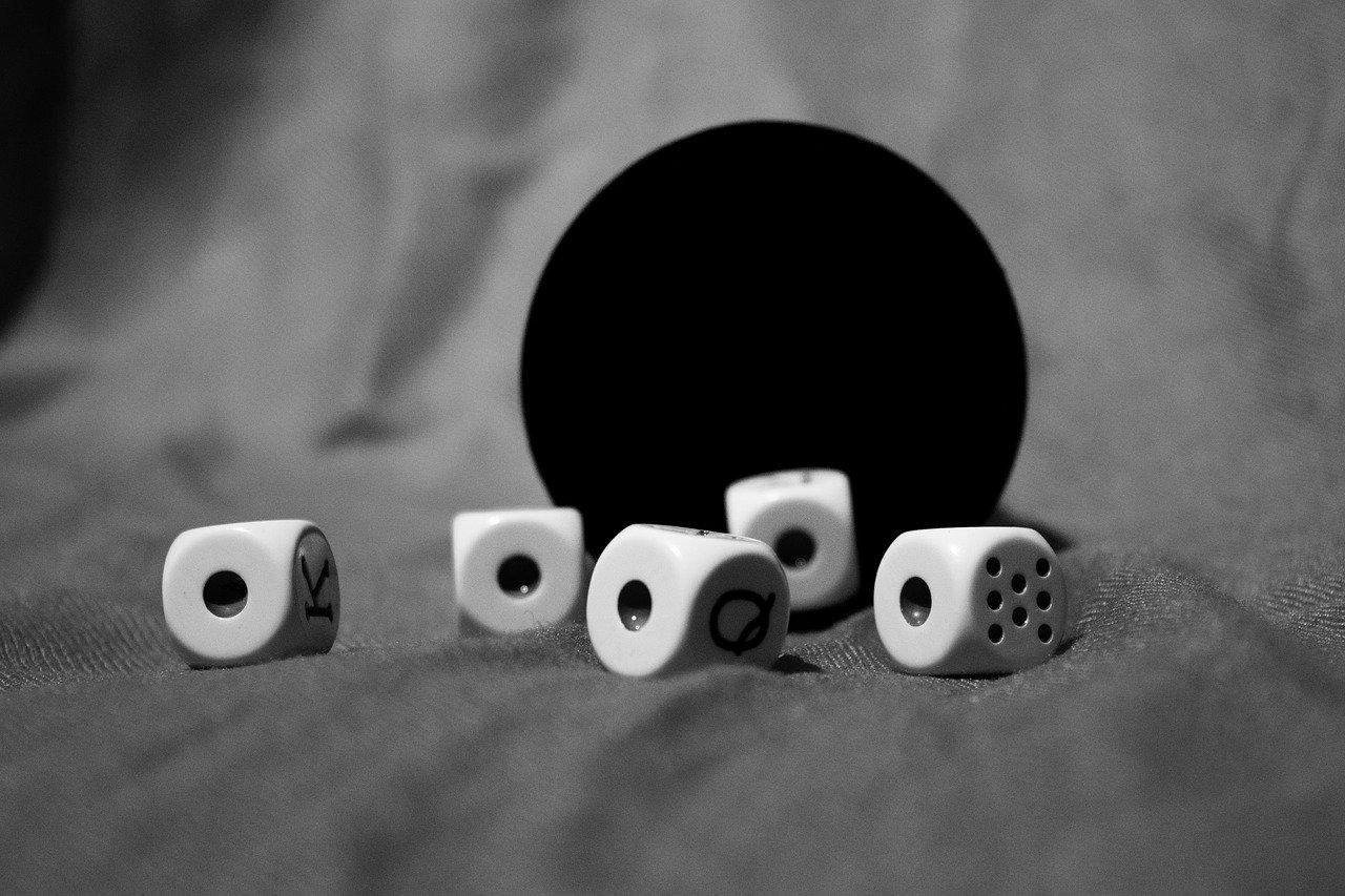 Poker de dados. Poker de ases