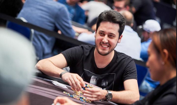 Poker online. Adrián Mateos